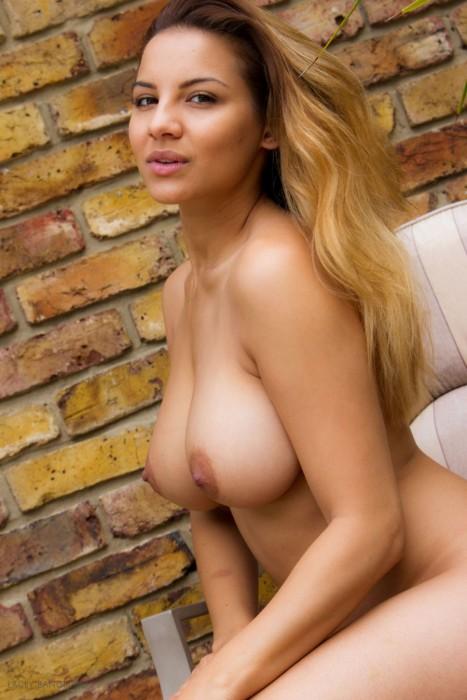 Lacey Banghard nue